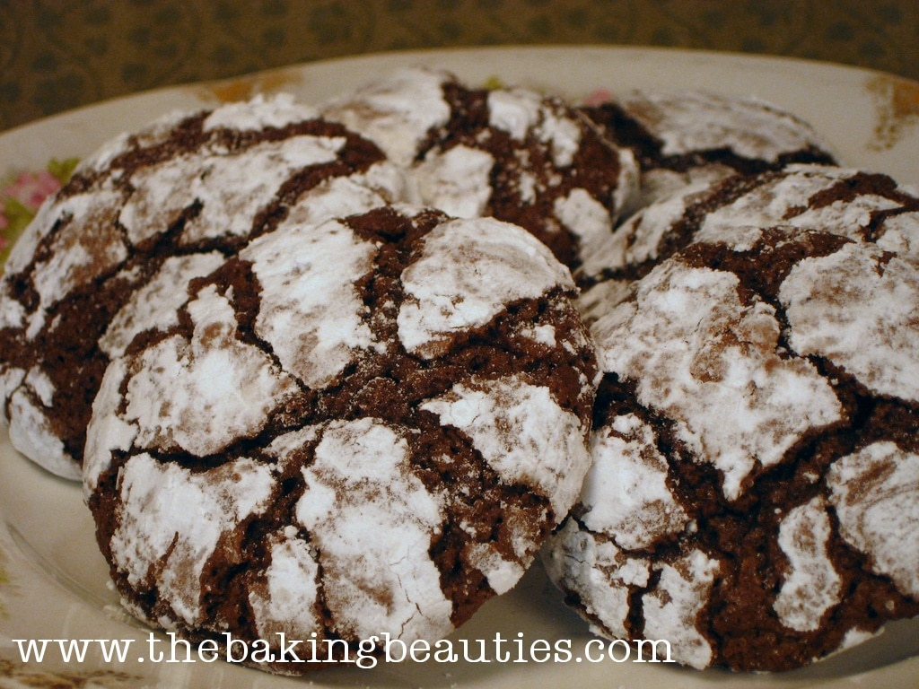 gluten free chocolate crinkle cookies the baking beauties