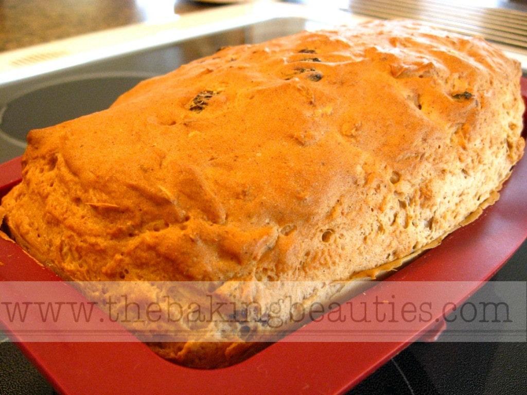 Gluten-free Oatmeal Cinnamon Raisin Bread | The Baking Beauties