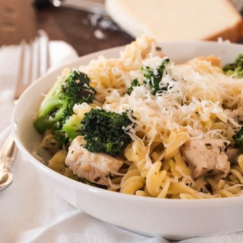 This gluten free Pasta with Chicken and Pesto is perfect for those nights you're looking for a quick, tasty all-in-one dish. Pasta, chicken, and broccoli are tossed in a light sauce seasoned with pesto.
