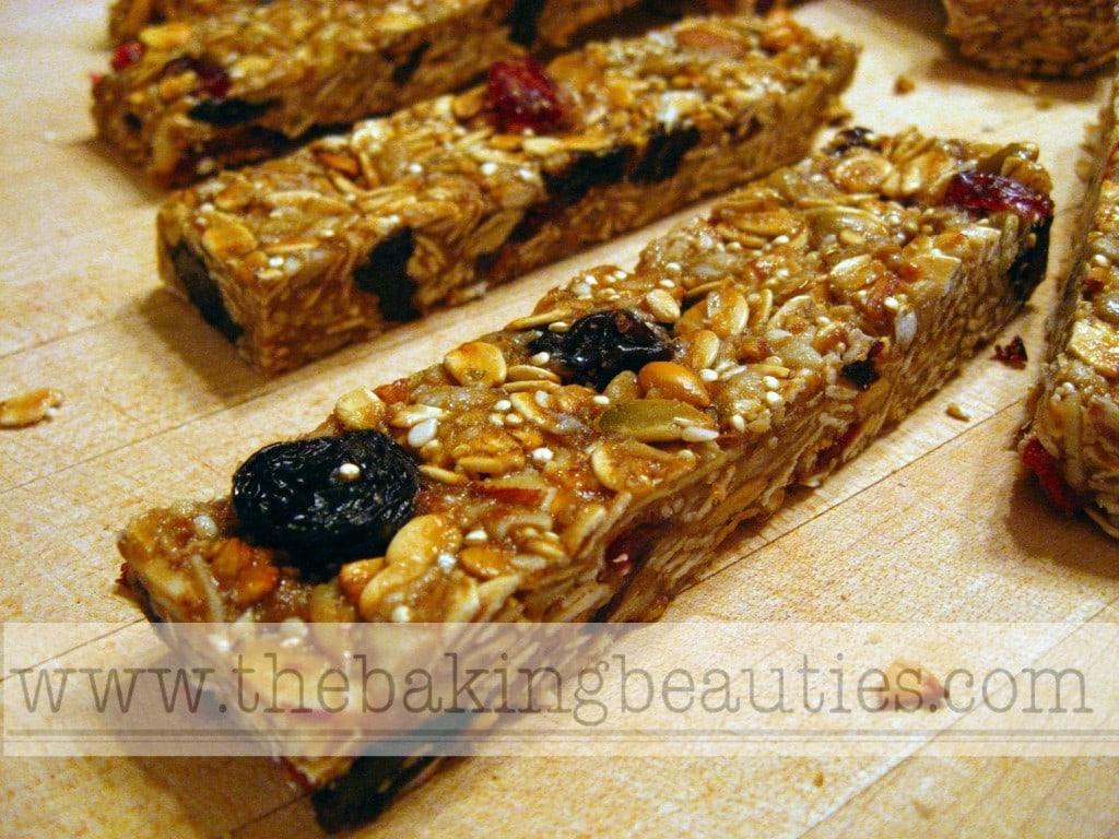 Homemade Gluten-free Granola Bars | The Baking Beauties