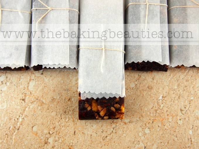 Chocolate Cranberry Date Bar (gluten-free) | The Baking Beauties