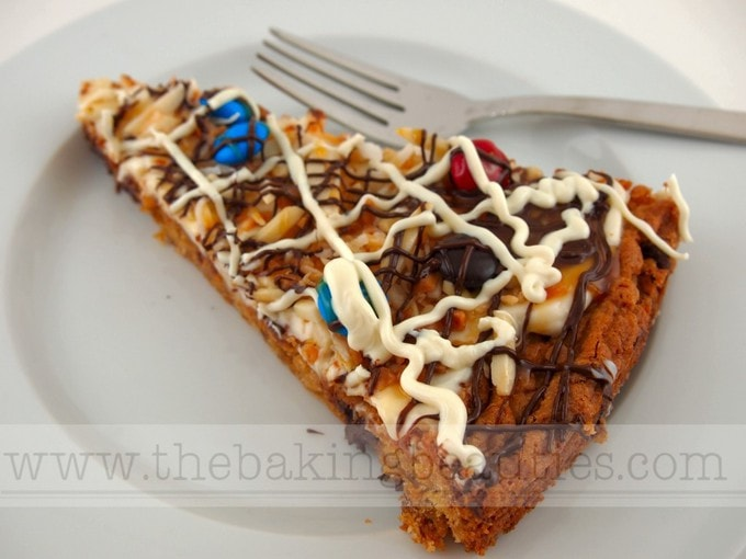Gluten-free Cookie Pizza with Chocolate Chip Cookie Base | The Baking Beauties