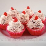 Gluten-Free Summer Berry No-Bake Cheese Cupcake