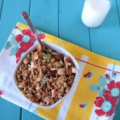 How to Make Your Own Gluten-Free Homemade Granola | The Baking Beauties