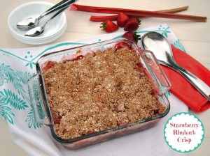 Gluten Free Strawberry Rhubarb Crisp | The Baking Beauties