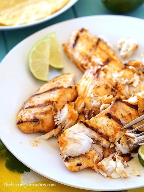 Summer is here! Fire up the grill for these awesome Grilled Fish Tacos ...