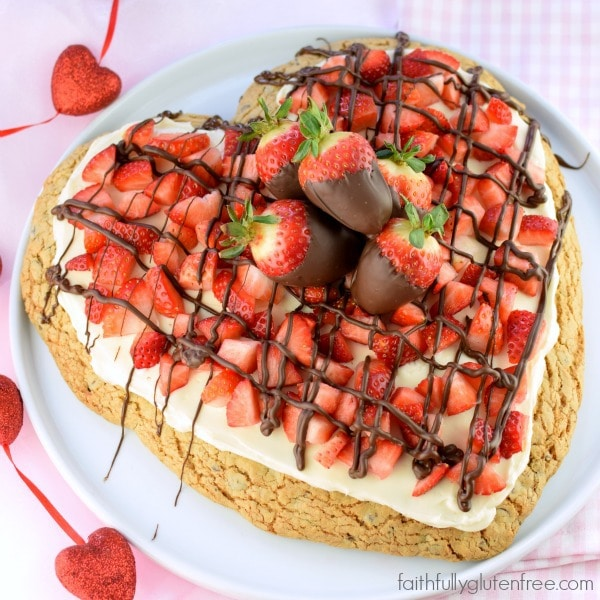 What a cute dessert for Valentine's Day! Gluten Free Chocolate Chip Cookie Pizza from Faithfully Gluten Free