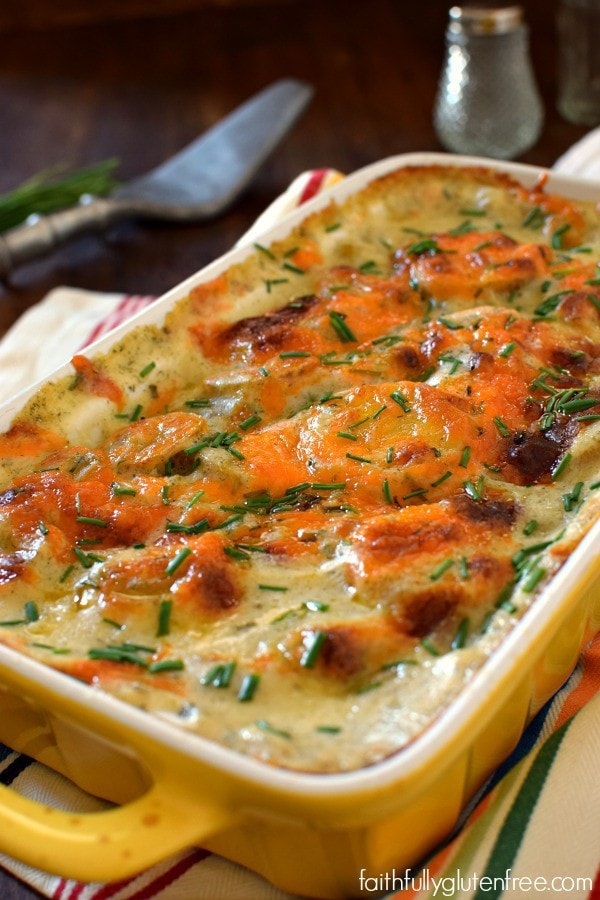 An easy side dish that can be made ahead of time! Cheesy Ranch Scalloped Potatoes