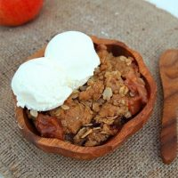 Gluten Free Apple Crisp {Sweet Cravings Book Review}