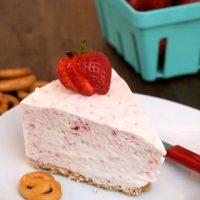 No-Bake Strawberry Ice Cream Cake