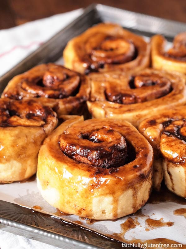 pan of cinnamon buns